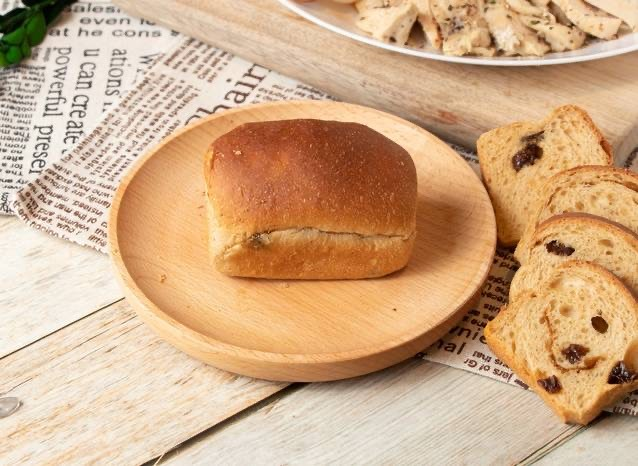 台中文青旅店手作早餐-旅巷純手工黑糖葡萄乾小吐司麵包